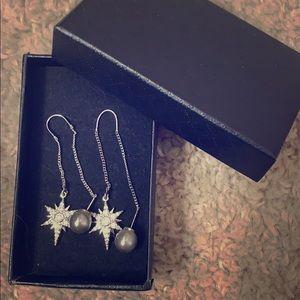 Jewelry - iconic errings